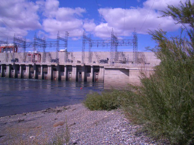 priest-rapids-dam-tailrace-photo-1